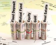 Diversificazione del concetto di investimento dei soldi Immagini Stock Libere da Diritti