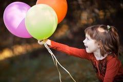 Diversión con los globos Fotografía de archivo libre de regalías