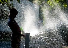 Diversión del verano con agua Foto de archivo