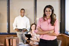 Diversité dans le lieu de travail, contact de salle de réunion Photographie stock libre de droits