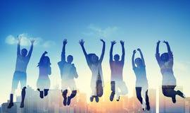 Diversiteits Toevallige Tiener Team Success Winning Concept Stock Foto's