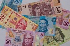 Diverso fondo mexicano del dinero Foto de archivo libre de regalías