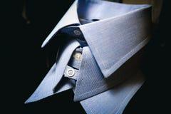 Diverso francés azul para hombre de la moda del traje de los cuellos de la camisa fotografía de archivo libre de regalías