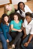 Diverso gruppo di donne che studing insieme Fotografie Stock
