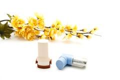 Diverso inhalador con la flor Imágenes de archivo libres de regalías