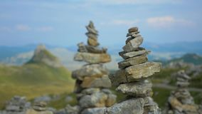 Diverso a rocha bonita eleva-se na montanha Durmitor, Montenegro video estoque