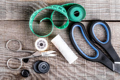 Diversos accesorios de costura fotografía de archivo libre de regalías