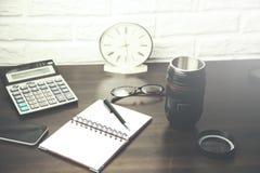 Diversos accesorios de la oficina Fotos de archivo