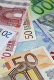Diversos billetes de banco euro Imagenes de archivo