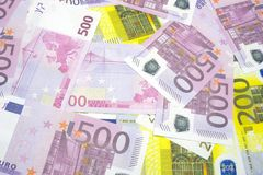 Diversos billetes de banco euro de 200 y 500 billetes de banco euro de diversa textura Imagen de archivo libre de regalías