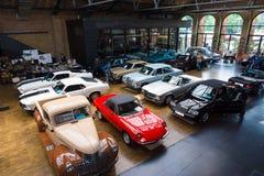 Diversos coches del vintage Imagen de archivo