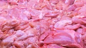Diversos cortes de la carne en el contador de la carnicería almacen de video