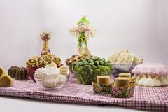 Diversos doces brasileiros típicos de Junina Amendoim, coco Ca Foto de Stock
