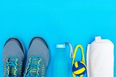 Diversos herramientas y accesorios para el deporte Fotos de archivo libres de regalías