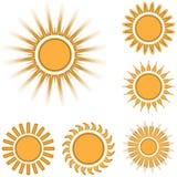 Diversos iconos del sol fijaron aislado en el fondo blanco Fotos de archivo libres de regalías