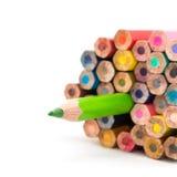 Diversos lápices del color en el fondo blanco Fotos de archivo libres de regalías