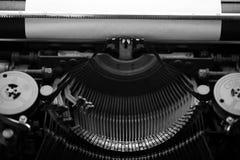Diversos pequeños elementos del metal de una máquina de escribir vieja Fotos de archivo libres de regalías