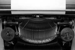 Diversos pequeños elementos del metal de una máquina de escribir vieja Imagen de archivo libre de regalías