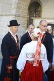 Diversos povos nos trajes nacionais estônios Fotos de Stock