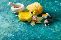 Diversos productos cosméticos para el cuidado de piel Imagen de archivo libre de regalías