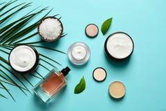 Diversos productos del cosmético del cuidado de piel imagen de archivo
