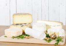 Diversos quesos franceses Imagenes de archivo