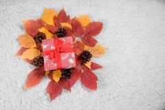 Diversos regalos de Navidad en hogar Fotografía de archivo