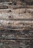 Diversos tablones de madera lamentables viejos con los nudos Fotos de archivo