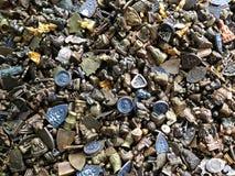 Diversos tipos de amuletos tailandeses de cobre amarillo del talismán Foto de archivo libre de regalías