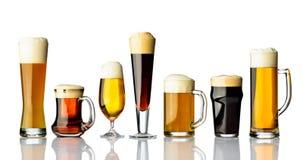 Diversos tipos de cerveza fotos de archivo