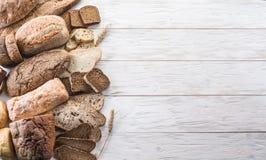 Diversos tipos de pan imágenes de archivo libres de regalías