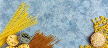 Diversos tipos de pastas del trigo de trigo duro fotografía de archivo libre de regalías