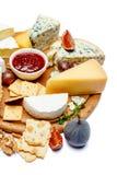 Diversos tipos de queso - parmesano, brie, el Roquefort, Cheddar Fotos de archivo