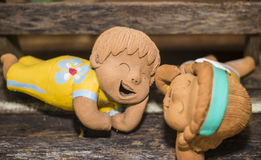 Divertido feliz de las muñecas de la sonrisa en amor Fotografía de archivo