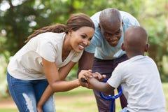 Divertimento africano da família Fotografia de Stock Royalty Free