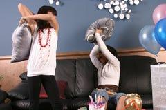 Divertimento da festa de anos das raparigas Fotografia de Stock