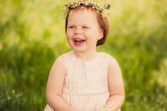 Divertimento da menina, sorriso das crianças Imagens de Stock
