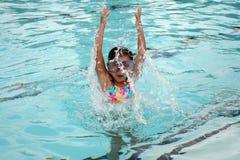 Divertimento da natação Foto de Stock