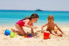Divertimento da praia Fotos de Stock Royalty Free