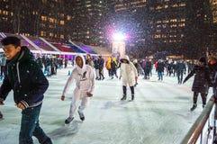 Divertimento de patinagem Bryant Park Imagem de Stock Royalty Free