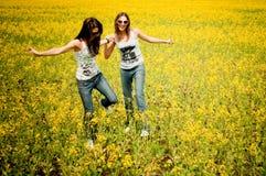 divertimento del campo che ha donne Fotografia Stock Libera da Diritti