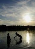 Divertimento dell'acqua di vacanza Immagini Stock Libere da Diritti