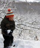 Divertimento della neve di inverno nella prateria, immagini stock libere da diritti