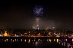 Divertimento di celebrazione di spettacolo di divertimento del fuoco d'artificio, nuovi anni di celebrazione immagine stock