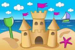 Divertimento di estate della spiaggia del mare del castello della sabbia Immagini Stock