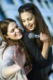Divertimento di karaoke Fotografia Stock