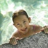 Divertimento di nuoto di estate Fotografie Stock Libere da Diritti