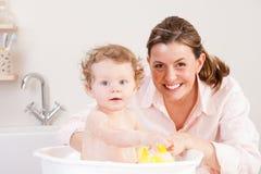 Divertimento di tempo del bagno Fotografie Stock Libere da Diritti