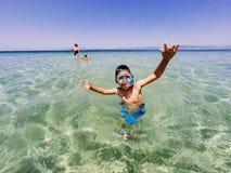 Divertimento di vacanze estive alla spiaggia Fotografia Stock