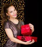 Divertimento do Natal com beleza moreno Imagem de Stock Royalty Free
